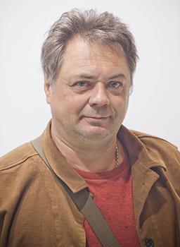 На фото Андрей Леонов